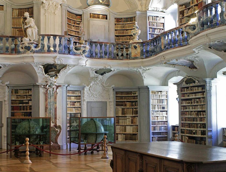 Die historische Bibliothek des Klosters St. Peter   | Foto: Christian John