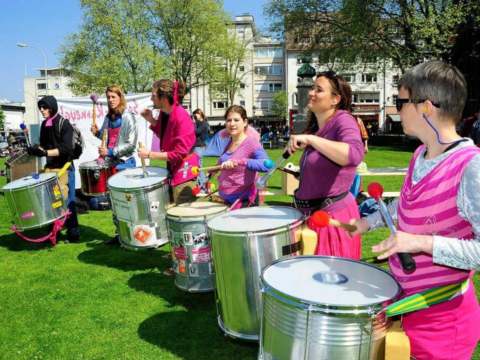 Um Trommeln wie diese drehte sich ein ...tsstreit: Die Sambastas im April 2011.  | Foto: Thomas Kunz