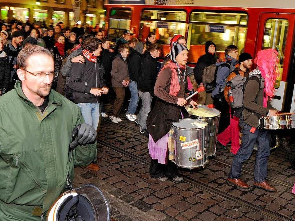 Instrumente der Sambastas (hier bei ei...ren über Monate beschlagnahmt gewesen.  | Foto: Rita Eggstein