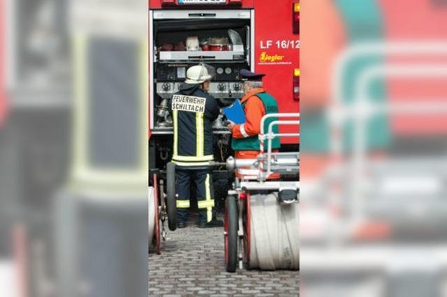 UNTER UNS: Feuer & Flamme