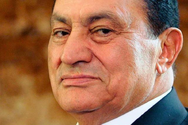 Mubarak zu lebenslanger Haft verurteilt – Proteste in Kairo