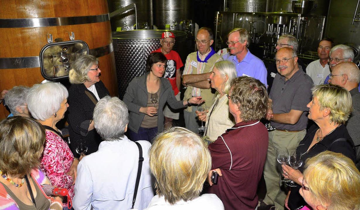 Auf den Geschmack gekommen: Teilnehmer...stgebern im Malterdinger Weingut Huber  | Foto: Dieter Erggelet