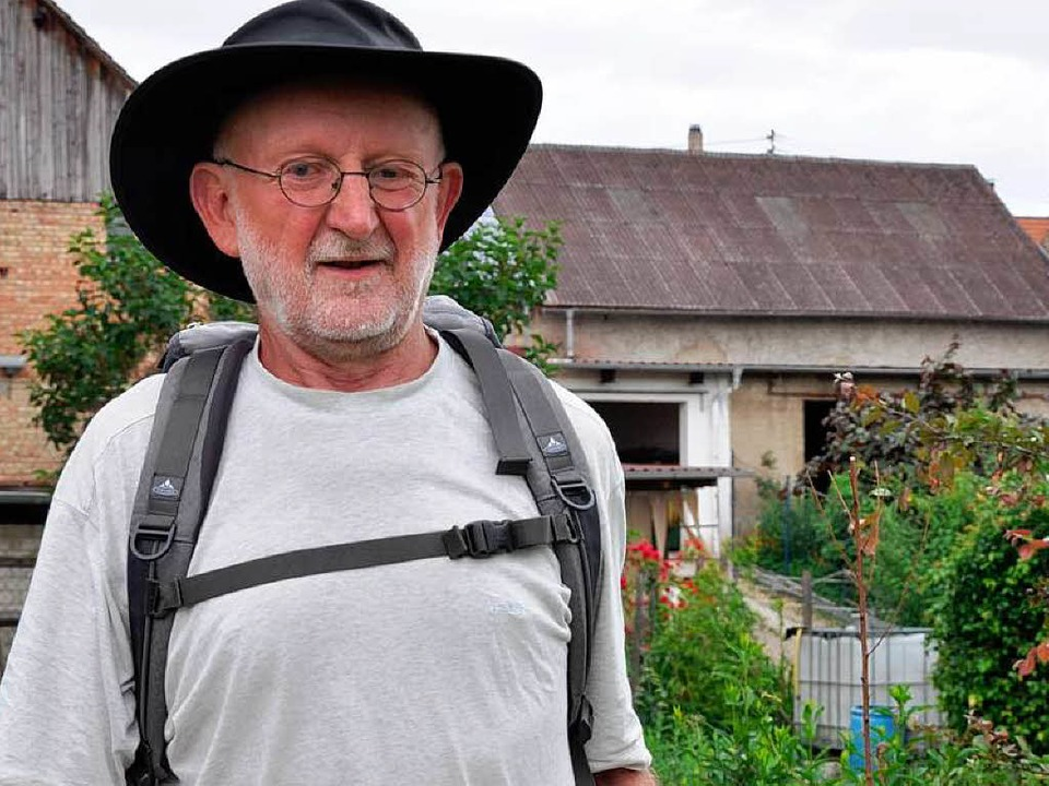 Mit wenig Gepäck begibt sich Karl Hein...Wanderung von Flensburg nach Konstanz.    Foto: Kai Kricheldorff