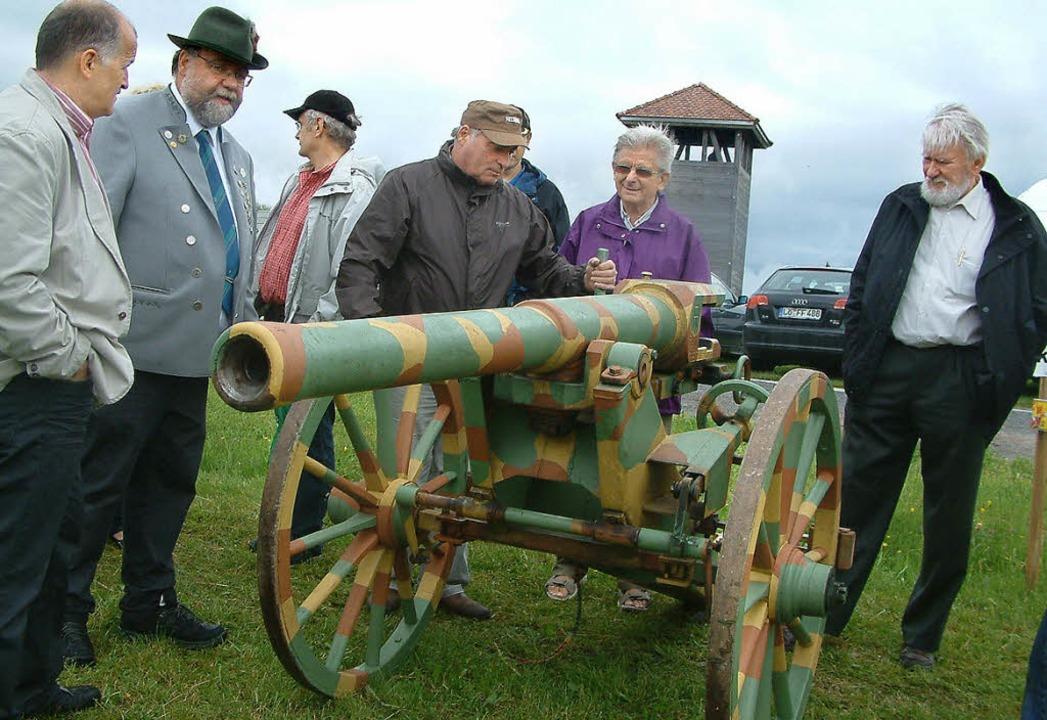 Beim Böllertreffen auf der Barockschan...ten Kanonen für das Jubiläumsschießen.  | Foto: Roswitha Frey