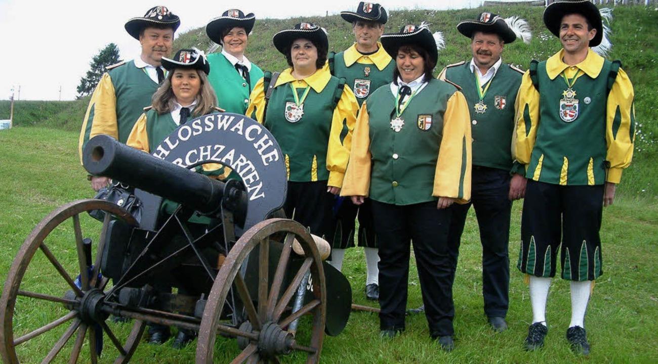 Die Schlosswache Kirchzarten war die g...gruppe beim Böllertreffen in Gersbach.  | Foto: Roswitha Frey
