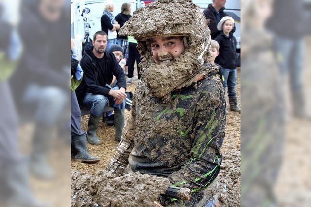 Motocross wird zu Schlammschlacht