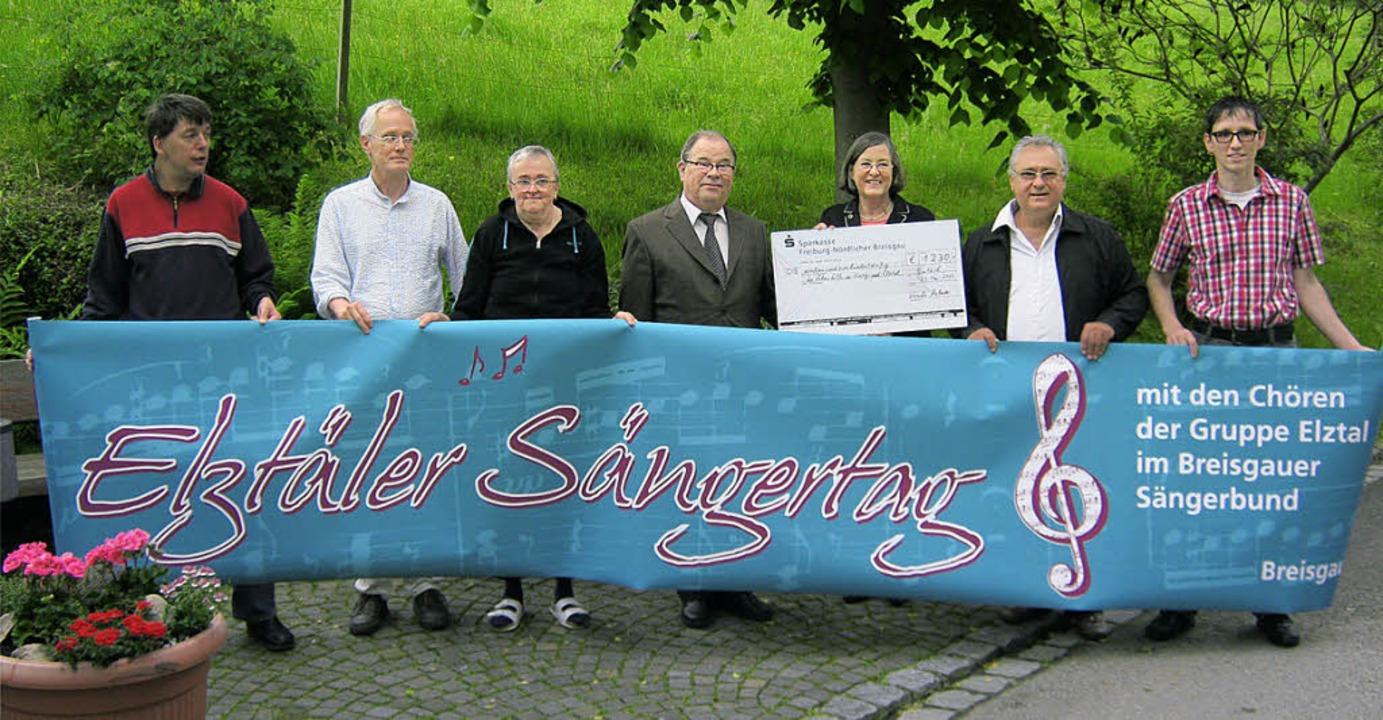 Elztäler Sängerbund spendet an die Lebenshilfe Elzach.   | Foto: Günter Bank