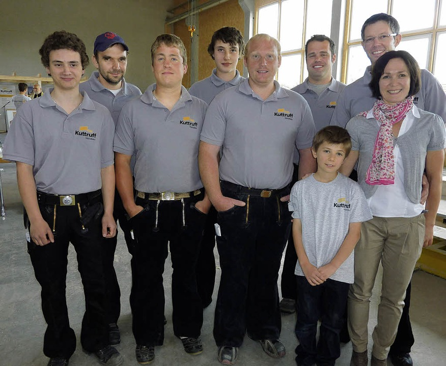 Die Mitarbeiter der Bachheimer Firma H...de informierte sich über den Betrieb.   | Foto: Karla Scherer