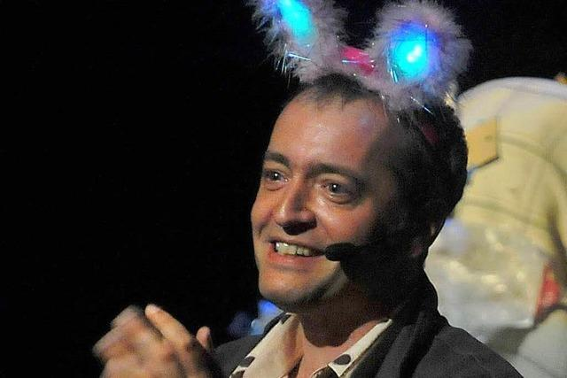 Der Kabarettist Rainald Grebe im Freiburger Theater
