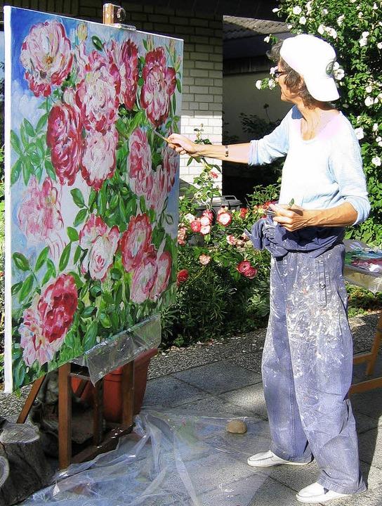 Elisabeth Müller beim Malen   | Foto: privat