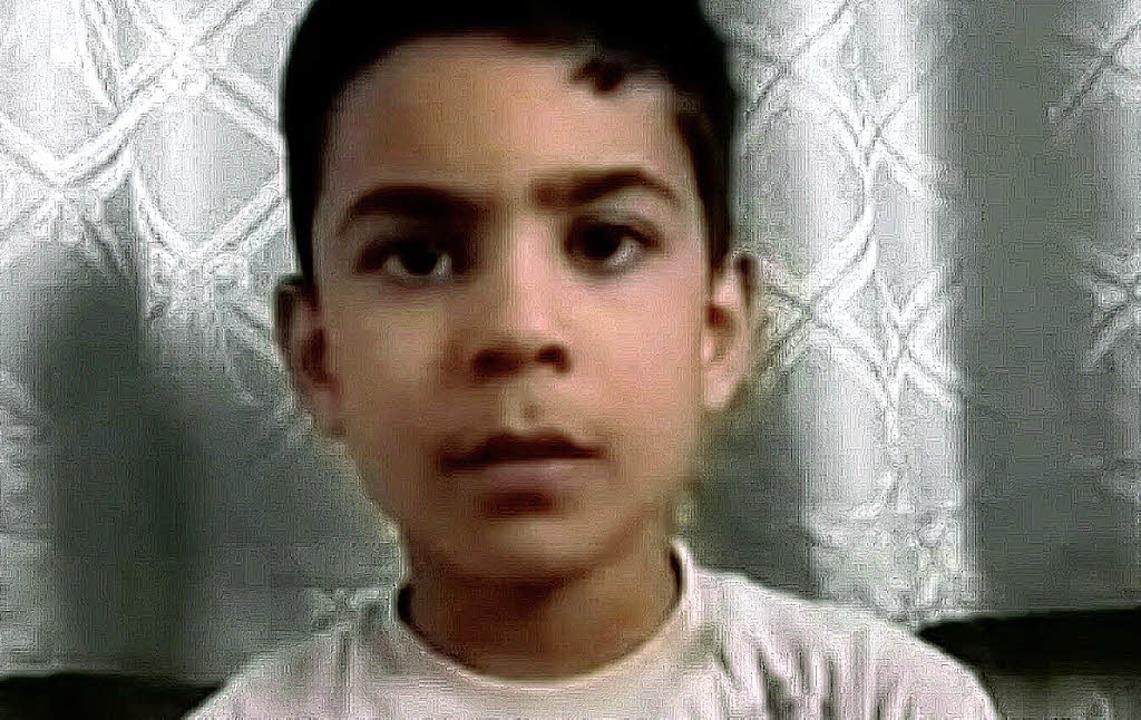 Der elfjährige Ali al-Sayed berichtete...ifer seien Männer mit Bärten gewesen.   | Foto: DAPD
