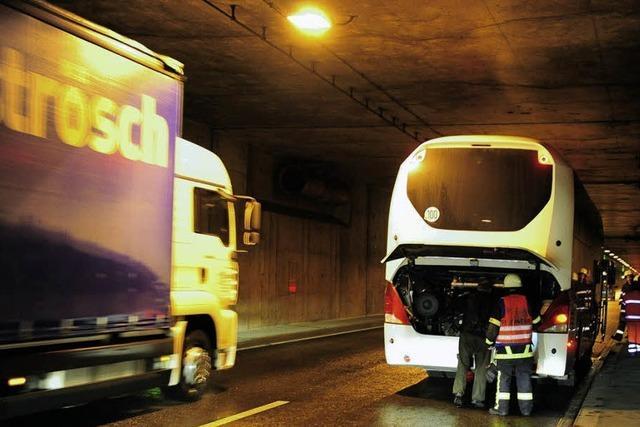 Bus-Panne im Tunnel