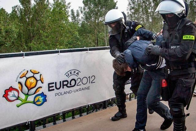 Ausschreitungen beim EM-Spiel Polen gegen Russland