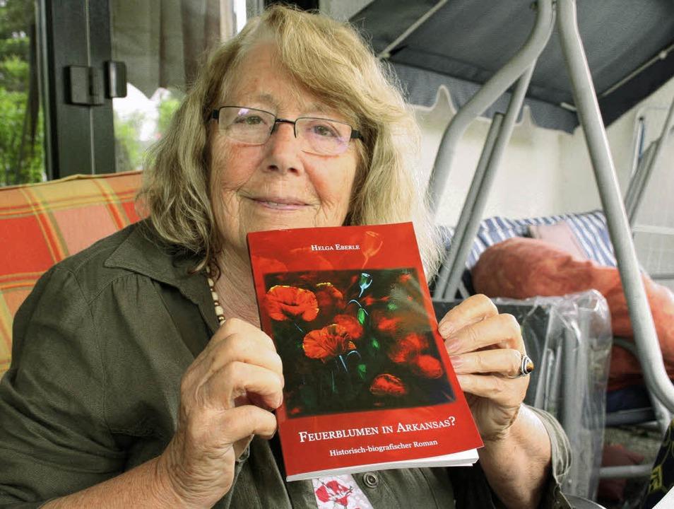 Mit ihrem zweiten Buch, einem historis... Krozinger Geschichte wieder aufleben.  | Foto: Martina Faller