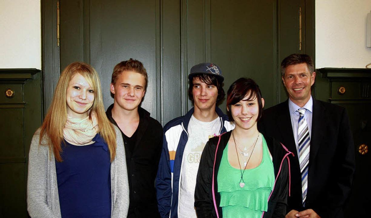 Das Jugendparlament in Schopfheim hat ...rin) und Bürgermeister Christof Nitz.   | Foto: Heiner Fabry