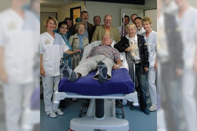Spezialliege für Patienten macht Freude