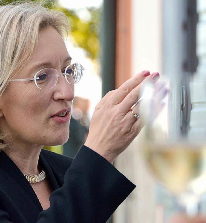 Bürgermeisterin Astrid Siemes-Knoblich im angeregten Gespräch  | Foto: Babeck-Reinsch