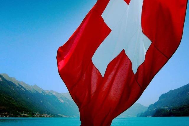 Stimmen die Schweizer bald über alle Staatsverträge ab?