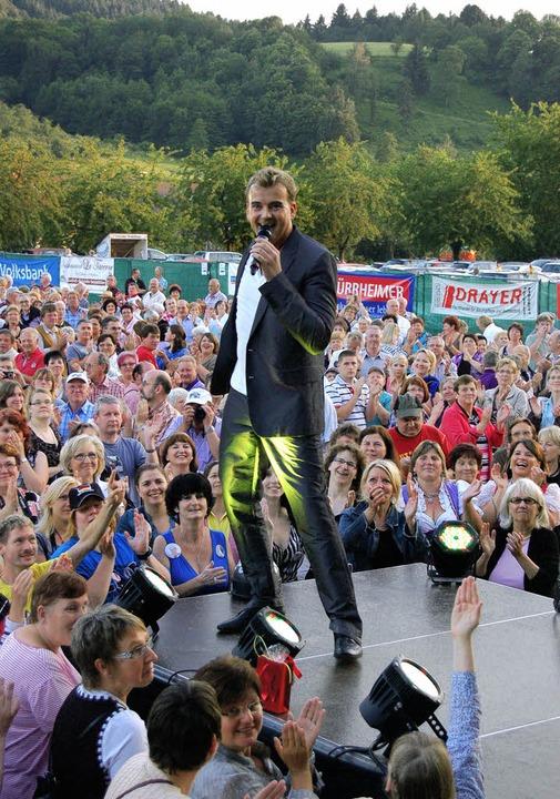 Umlagert, vor allem von weiblichen Fan... beim Eichberg-Open-Air in Glottertal   | Foto: christian ringwald