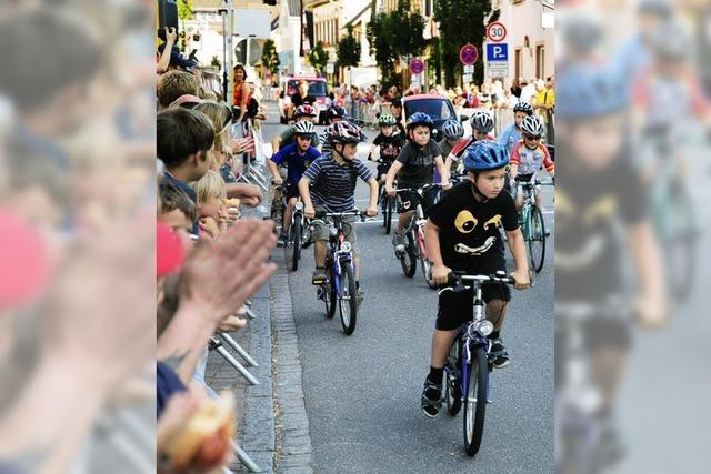 "Radrennstall ""Racing Students"" bietet Radrennspektakel in Kippenheim"
