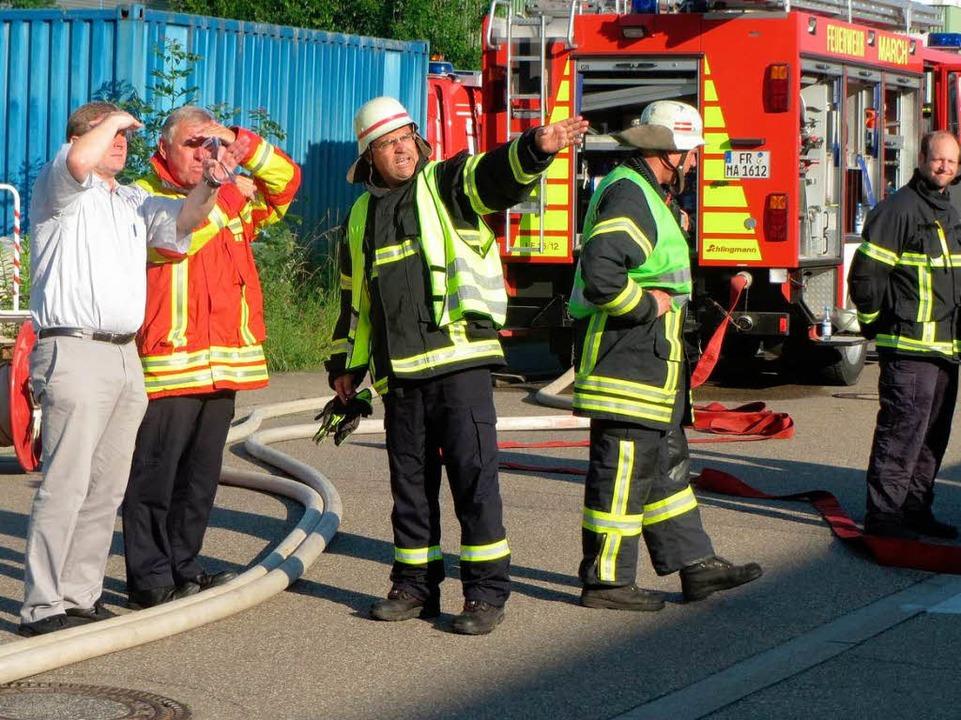 Marchs Feuerwehrkommandant Dieter Krem...insatz im Gewerbegebiet in Hugstetten.  | Foto: Feuerwehr March