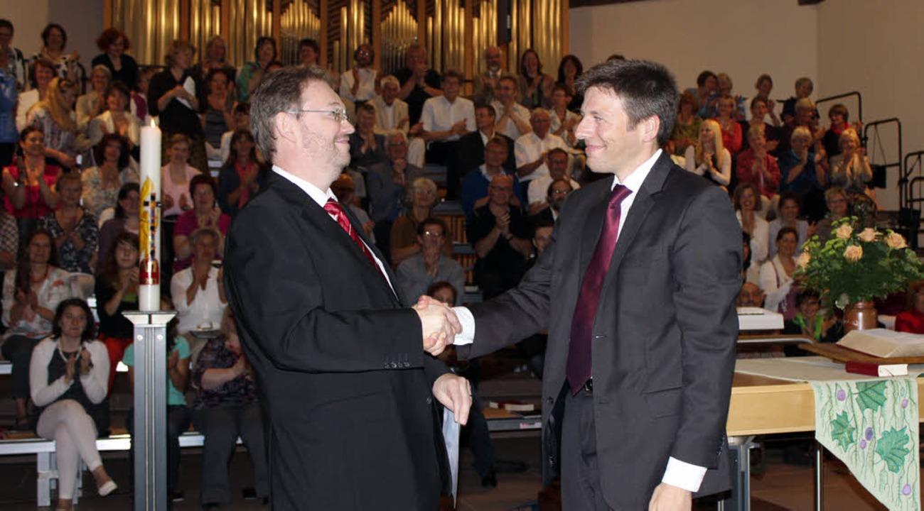 Humorvoll und persönlich hielt Landesk...ihn zum Kirchenmusikdirektor ernannte.  | Foto: Anja Bertsch