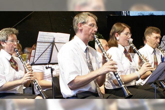 90 Blasmusiker betören die Sinne
