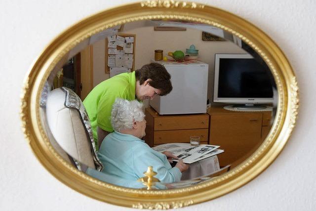 Einsatz von Arbeitslosen in der Altenbetreuung hat sich bewährt