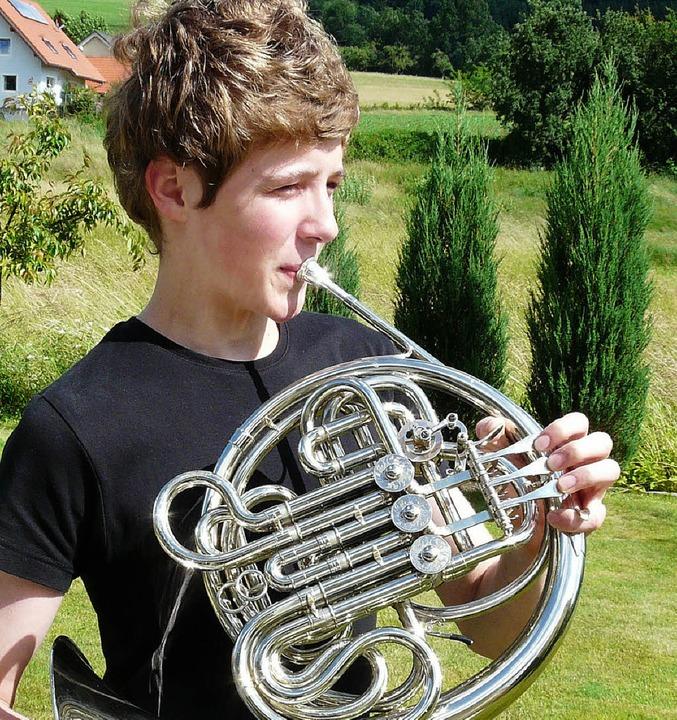 Josua Rinklin (15), erfolgreicher Horn...n), beide zwölf Jahre, aus Waldkirch.   | Foto: Eberhard Weiss