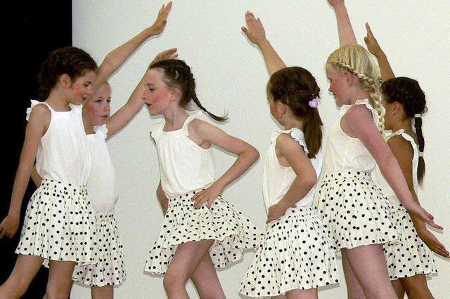 Frische Lieder, flotte Ragtimes und graziöser Tanz