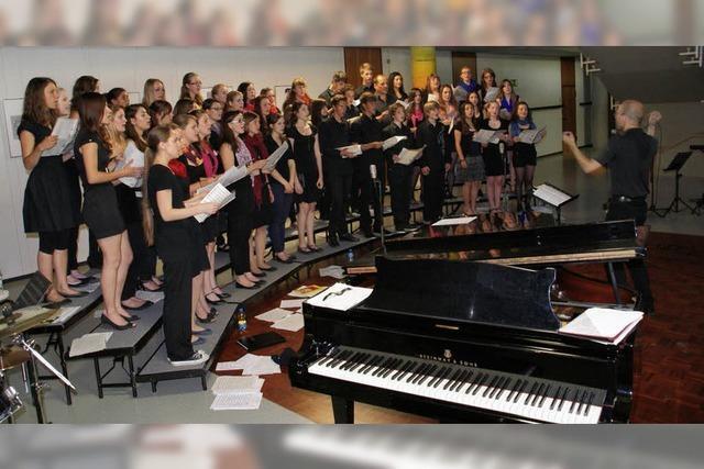 Schüler bieten Querschnitt durch Gospelmusik
