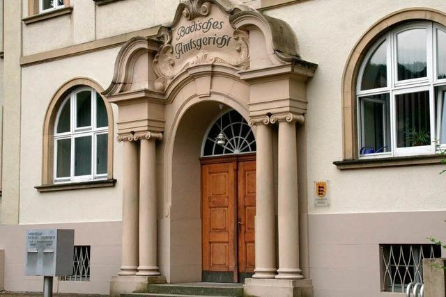 Karlsruhe versetzt Rechtspfleger – ohne Wissen des Notars und der Stadt