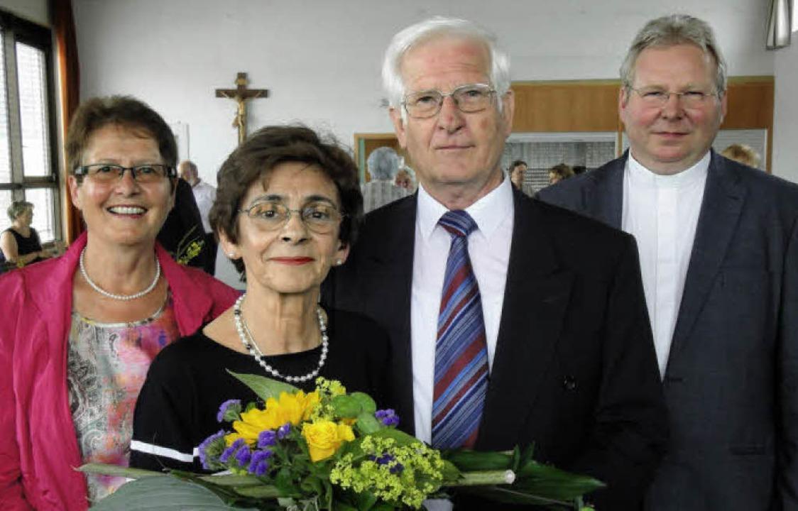 Pfarrgemeinderatsvorsitzende Monika Ma...und Unterstützung in all den Jahren.    | Foto: Hansjörg Bader