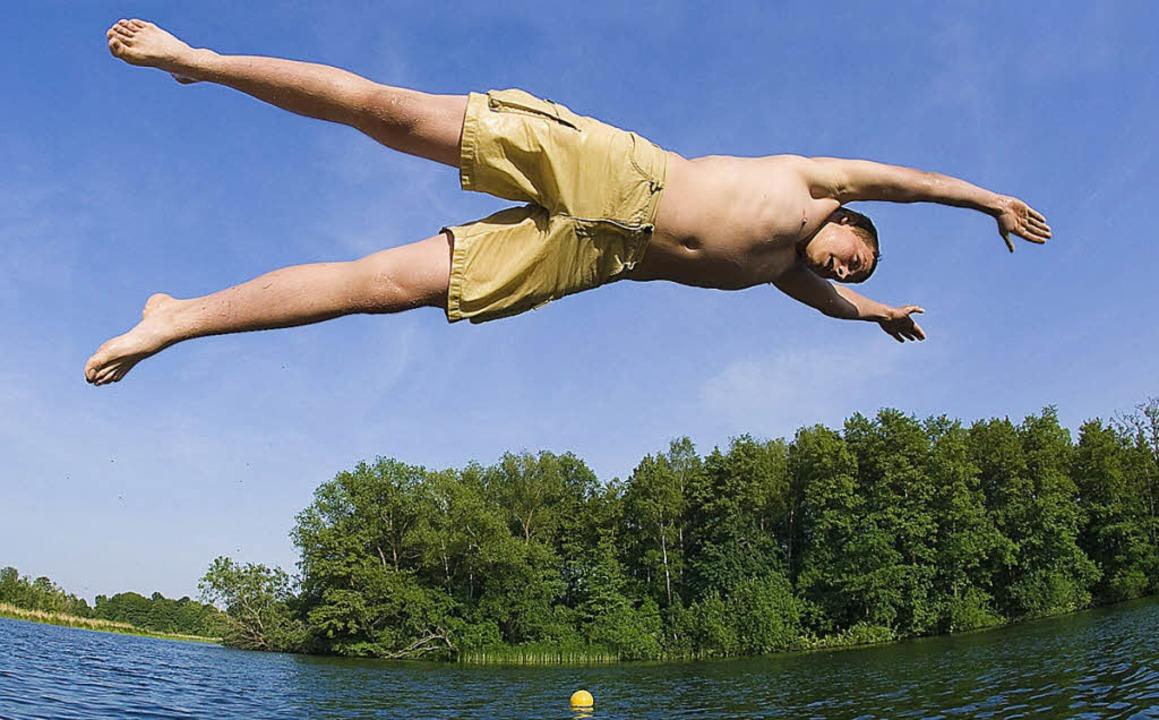 Damit der Badespaß ein Vergnügen bleib...ennt die Gefahren für Nichtschwimmer.   | Foto: Fotos: dpa/ Schwimmschule Weiss