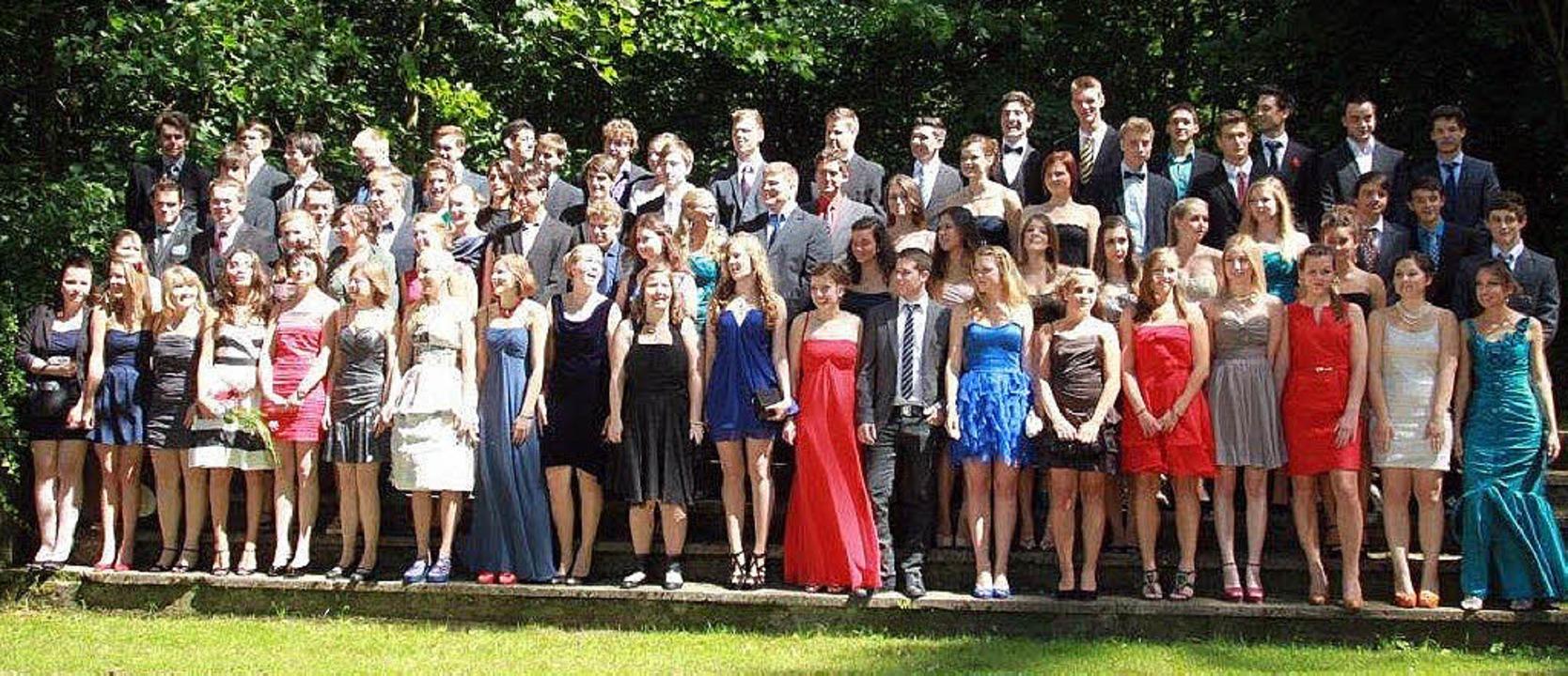 Der Abiturjahrgang 2012 am Kolleg St. Sebastian in Stegen.   | Foto: Markus strecker