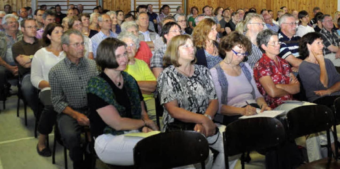 Die gut besuchte Bürgerversammlung in ...d der  Entwicklung der Infrastruktur.   | Foto: julius steckmeister