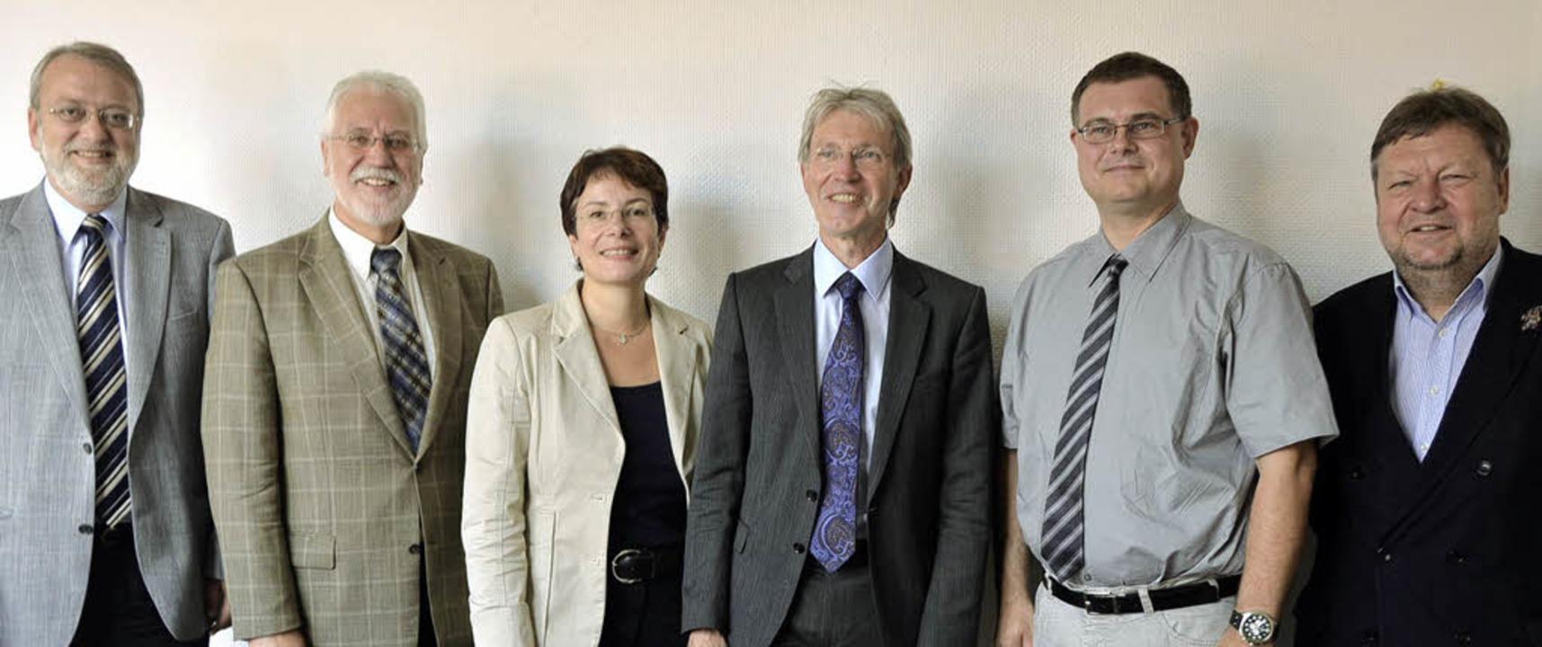 Die Leiter der vier Fachbereiche (FB, ... Oberbürgermeister Richard Leibinger.   | Foto: Sylvia Timm