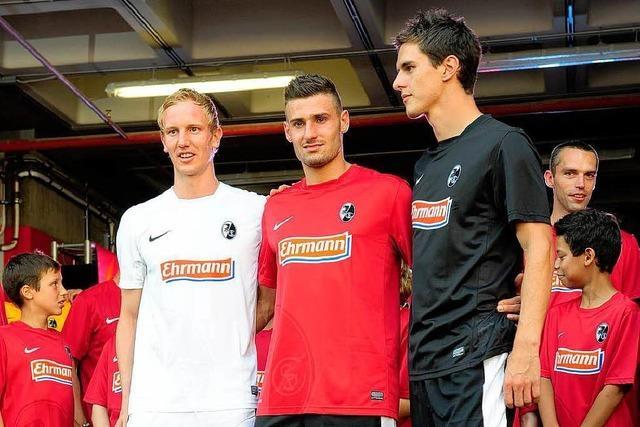 SC Freiburg präsentiert das Trikot der Spielzeit 2012/13