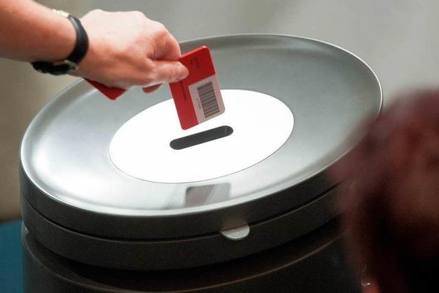 Bundestag stimmt Rettungsschirm ESM zu