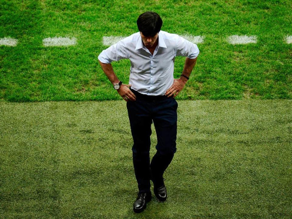 Der Regisseur tritt ab: Bundestrainer ...Coaching-Zone in Richtung Trainerbank.    Foto: dapd/Andre Bonn (Fotolia.com)