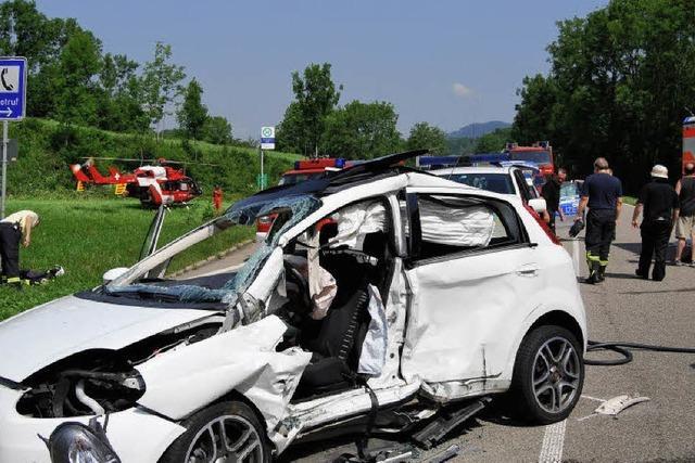 Bundesstraße nach Unfall über zwei Stunden gesperrt