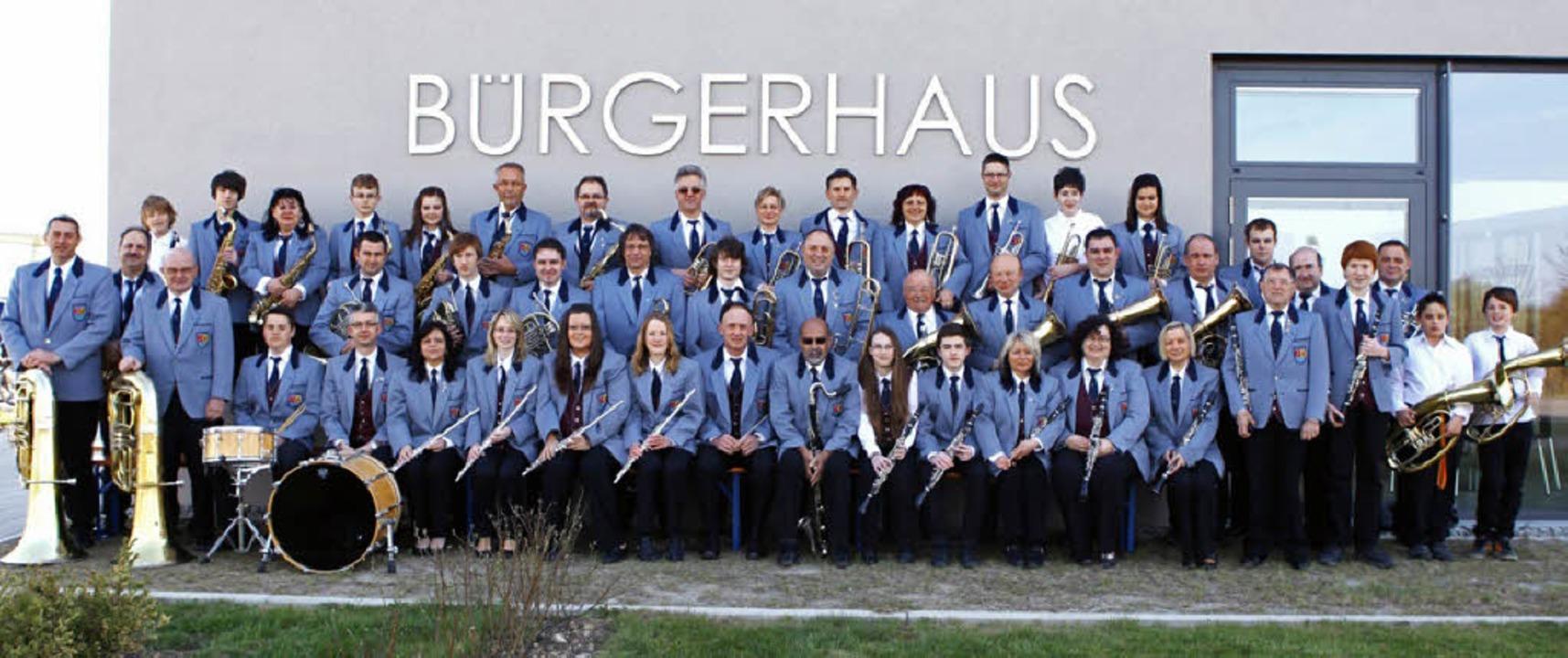 Der Musikverein Niederhausen im Jubiläumsjahr  | Foto: Privat