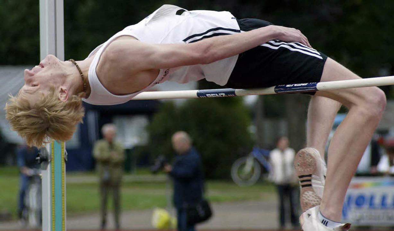 Stefan Cimander vom TV Rheinfelden rei...Höhe von 1,90 Meter zum zweiten Platz   | Foto: wohlmannstetter