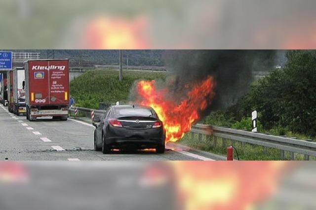 Auto brennt aus