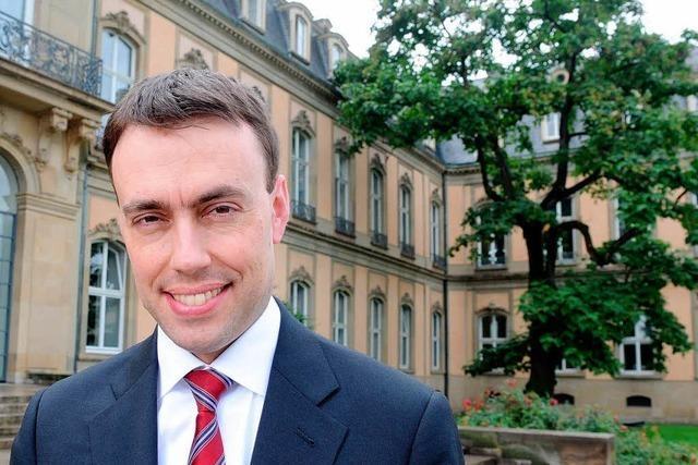Finanzminister stellt Doppelhaushalt vor – neue Schulden