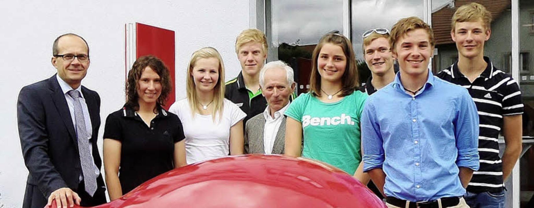 Das Förderteam der Sparkasse Hochschwa...Doll, Fabian Rießle und Tobias Simon.   | Foto: Paulina Grimm