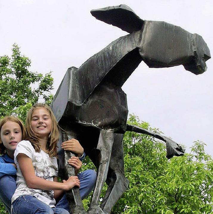 Auf der Esel-Skulptur   | Foto: privat