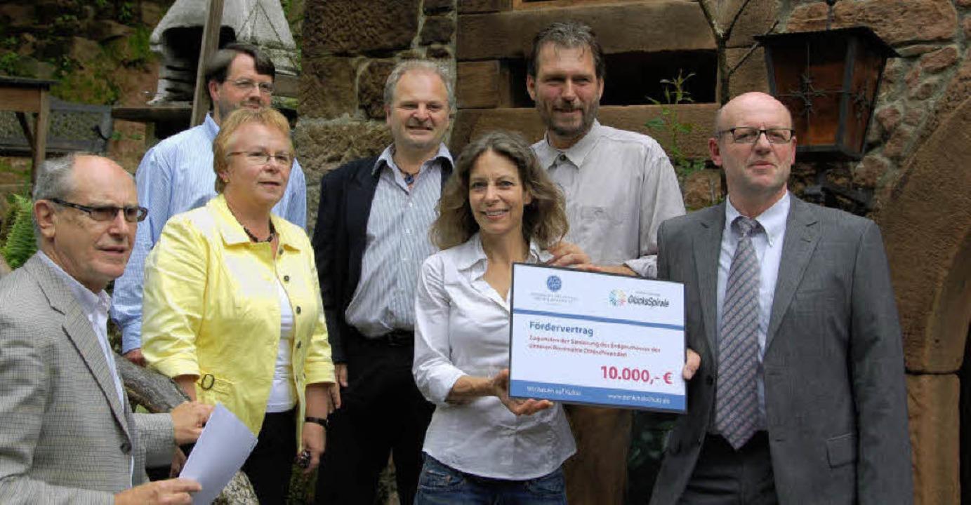 10000 Euro über  die Deutsche Stiftung...itekt Stefan Blum und Bertram Jenisch.  | Foto: Pia Grätttinger