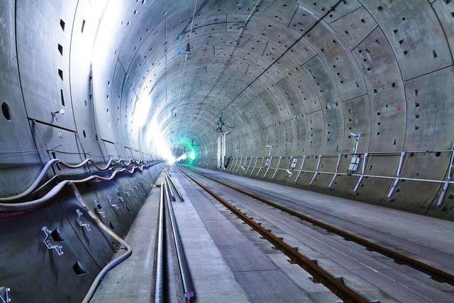 Fotos: Die Arbeiten am Katzenbergtunnel gehen dem Ende entgegen