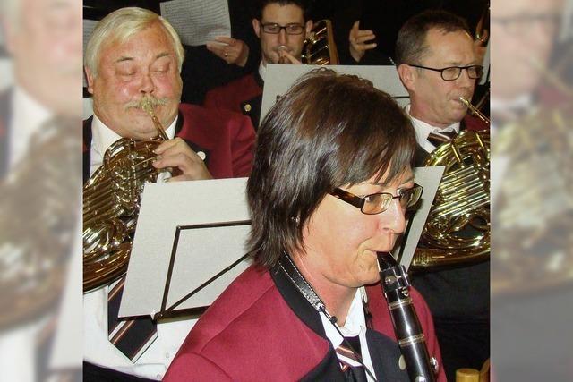 Nussbaumfest mit viel Musik